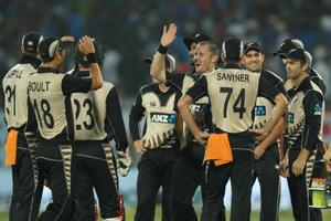 Colin Munro ton, Trent Boult 4/34 give New Zealand 40-run win over...