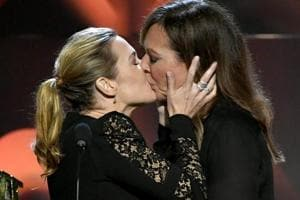 Kate Winslet and Allison Janney's onstage kiss leaves audience stunned