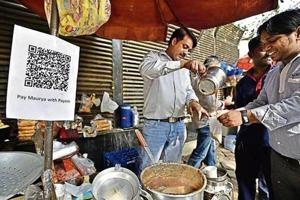 A number of roadside stalls and shops in Delhi started using e-wallets as they could not afford to lose customers.