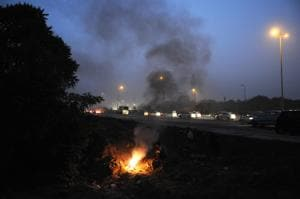 The city's civic bodies have received hundreds of complaints of waste burning, like here at Rajiv Chowk, Gurgaon.