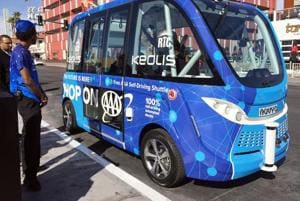 Las Vegas self-driving shuttle bus involved in accident on debut run