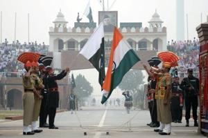 In meeting with Pakistani Rangers, BSF raises issue of border...