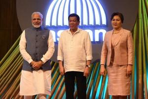 PM Modi attends opening ceremony of 31st ASEAN Summit in Manila