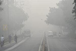 Delhi pollution: Smog chokes capital as emergency measures fail to...
