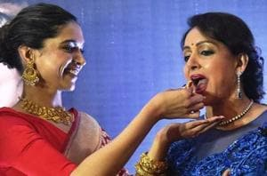Deepika Padukone shares endearing note by her idol Hema Malini