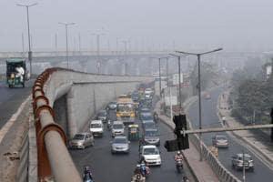 Delhi pollution: After Punjab's Amarinder, Kejriwal trains guns...