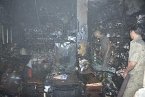 Tragedy averted: Fire at Ghaziabad hospital chars pharmacy, all...