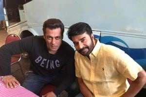ISL 2017: Salman Khan poses with Malayalam superstar Mammootty, dances...