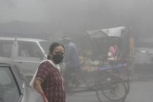 Pollution dips further as Delhi receives traces of rain