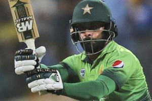 Muhammad Hafeez to skip Bangladesh Premier League and work on bowling...