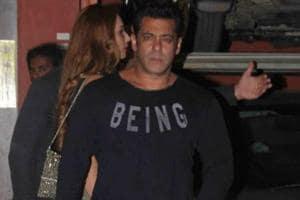 Inside pics of Salman Khan, Katrina Kaif at Arpita-Aayush bash. Iulia...
