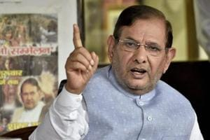 Sharad Yadav questions EC decision on JD-U symbol, vows to fight on