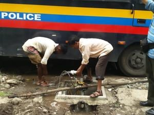 Mumbai cops set up rainwater harvesting system, help 2,300 families...