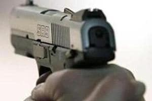 Two snatchers who struck in south Delhi nabbed after gunbattle in...