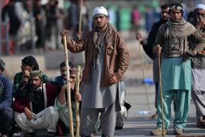 Islamabad protest: Pak govt in crunch talks to avoid bloodshed