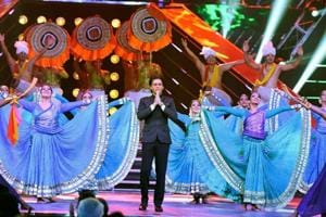 SRK invokes 'Vasudhaiva Kutumbakam' at IFFI, says India 'land of...