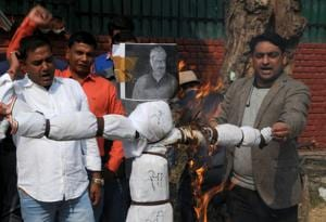 Members of Kshatriya Swabhiman Sabha burn an effigy of director Sanjay Leela Bhansali in Gurgaon on Tuesday.