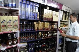 Karnataka CM asks Centre to evolve national policy on liquor ban