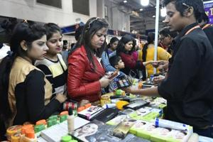 Pak businesswoman stranded at Delhi trade fair after thief steals her...