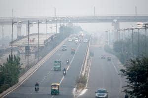 Temperature dips, winter is knocking on Delhi's door
