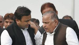 On his birthday, Mulayam brings up Babri demolition, justifies firing...