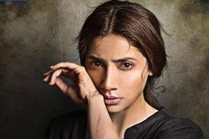 Mahira Khan take a jibe at Pakistan censor board with Verna...