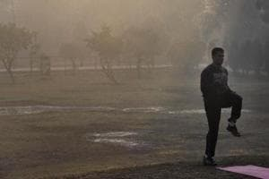 Delhi wakes up to season's coldest morning at 7.6ºC