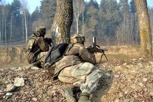 Pakistani militant caught by security forces in Kupwara