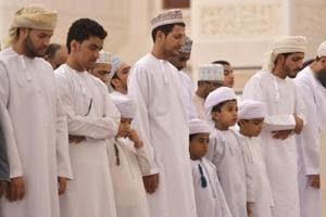 Oman: Shia, Sunnis and Ibadis pray together, keeping sectarian divide...