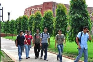 Over 1.99 lakh candidates appear for CAT conducted by IIM-Lucknow