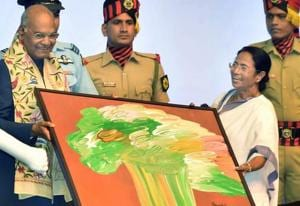 President Ram Nath Kovind being felicitated by West Bengal Chief Minister Mamata Banerjee during a civic reception in Kolkata on Tuesday.