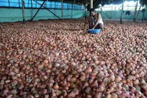 Centre, Delhi propose steps to check rising onion prices