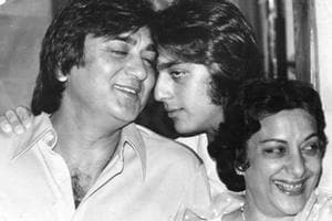 Sanjay Dutt shares adorable old picture with parents Sunil Dutt and...