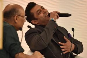 Hindi film superstar and philanthropist Salman Khan in conversation with Shekhar Gupta, chairman and editor-in-chief, The Print, at the Hindustan Times Leadership Summit in New Delhi on Thursday.