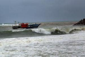 Cyclone Ockhi: Tourism affected as high tides flood Goa beaches