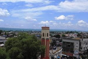 In the Dehradun Municipal Corporation the number of corporators will go up from 60 to 100.
