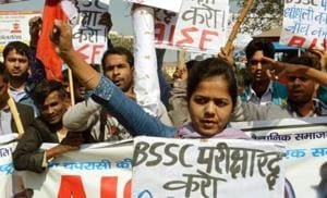 Members of the All India Students Federation holding demonstration in protest against leak of BSSC examination question papers in Patna.