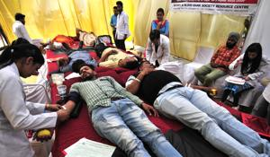Govt employees to get paid leave for blood donation