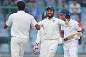 India struggled to pick wickets on Day 5 of the third Test in Delhi as Sri Lanka held on for a draw.