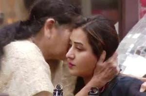Bigg Boss 11: Shilpa's mom and Puneesh's dad make contestants shed...