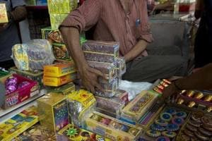 HC bans bursting of crackers on New Year's Eve in Punjab, Haryana and...