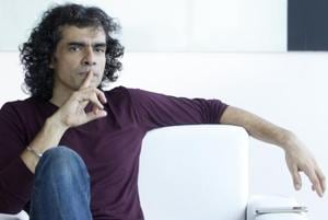 Filmmaker Imtiaz Ali feels that there is a lot to learn from actor Deepika Padukone.