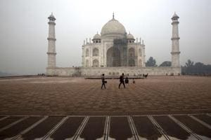 Photos: Restoring Taj Mahal's delicate dome, a quandary for...