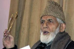 Avoid Army schools: Hurriyat chairman Geelani to Kashmiri parents