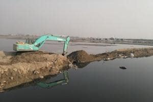Noida:FIR  against mining firms for illegal bridge over Yamuna