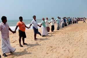 Cyclone Ockhi: Fishermen take out march, call for coordinated search...