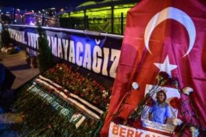 Turkey remembers victims of double bombings one year on
