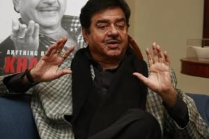 Pak interference allegation: Shatrughan Sinha questions PM Modi's...