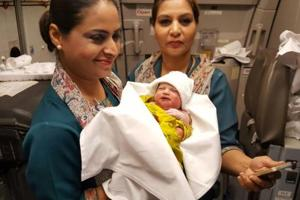 Woman gives birth on PIA flight from Saudi Arabia