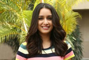 Shraddha Kapoor's badminton skills no roadblock for Saina Nehwal...